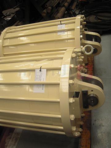 Custom pneumatic cylinders
