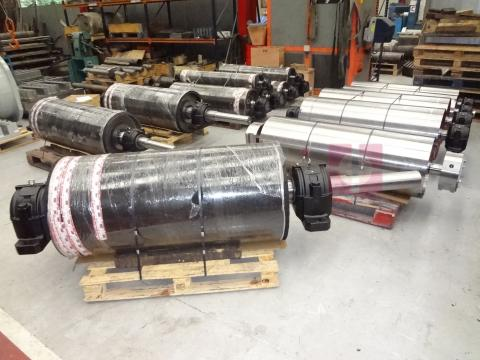 Rollers for the bulk and unit handling industry